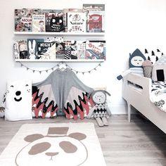 Chloeuberkid: Kittys Bedroom by Kenziepoo, via Flickr