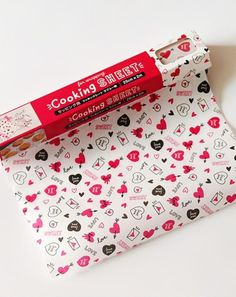 Cartoon Food Word Text Grease-Resistant Food-Safe Wrap Paper - Red Hearts