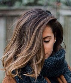 Beautiful blonde brunette bob. I'm thinking summer hair!