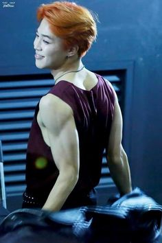 Oh damn oh mylanta wow he is just- i love his arms