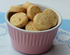 Fındıklı minik kurabiyeler.. Ne kadar mı minik? Mesela bu fotoğrafta mini fırın kabının içinde 15 adet kurabiye var:) Aşağıdaki ölçüler ile ... Breakfast, Kitchen, Food, Baking Center, Cooking, Kitchens, Eten, Meals, Cucina
