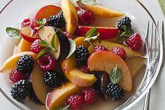 Salade de fruits d'été à la lavande