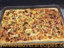 LOVELY BACON, CHEESE, TOMATO AND ONION QUICHE Quiches, Lasagna, Onion, Cheese, Ethnic Recipes, Projects, Food, Lasagne, Log Projects
