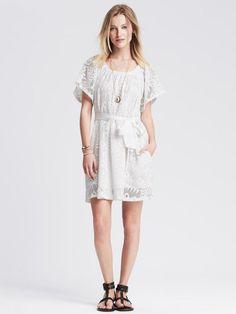 لباس های سفید دوست و یار شما در روزهای گرم تابستان هستند .   .#پیراهن  #زنانه  #2015 گوگ شو - دهکده پوشاک و مد