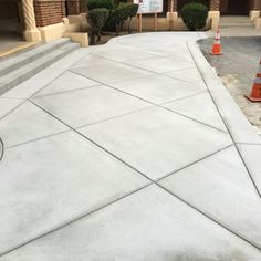 58 Ideas Cement Patio Steps Stamped Concrete For 2019 - Modern Design Poured Concrete Patio, Concrete Backyard, Concrete Patio Designs, Cement Patio, Concrete Driveways, Backyard Patio Designs, Concrete Floors, Stamped Concrete Driveway, Stamped Concrete Designs