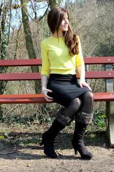 Bright Shirt in combination with a black pencil skirt and high knee boots. Wanna see more? Then check out this awesome site: Https://sajuza.wordpress.com