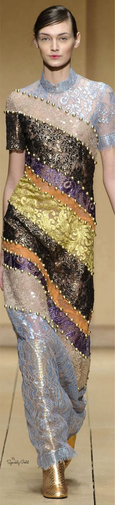 Laura Biagiotti Collection fall 2016 Ready-to-Wear Fabulous Dresses, Beautiful Outfits, Cool Outfits, Colorful Fashion, Modern Fashion, High Fashion, Laura Biagiotti, Couture Fashion, Runway Fashion