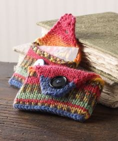 Keep your business cards handy with this stylish knit case. Choose bright colours to make it easy to find in your bag.