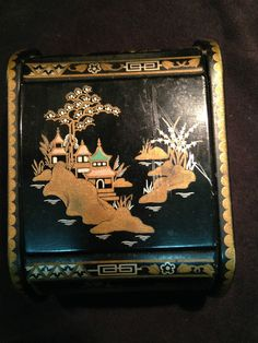 WOODEN LAQUER HAND PAINTED TRINKET BOX  MADE IN ENGLAND