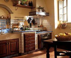 Italienische landhausküche  Italienische Landhausküche mit Kaminofen, Marmor-Arbeitsplatte und ...