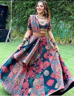 Party Wear Indian Dresses, Party Wear Lehenga, Indian Gowns Dresses, Indian Bridal Outfits, Indian Fashion Dresses, Dress Indian Style, Indian Designer Outfits, Bridal Lehenga, Designer Dresses