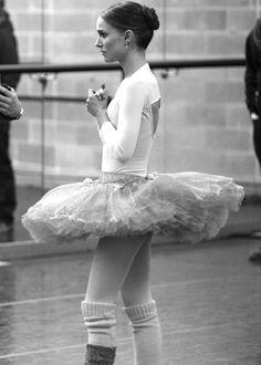 Natalie Portman - Black Swan (via the curious bumblebee)