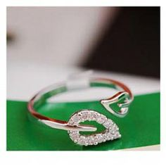 $1.33 Laconic and Elegant Two Pieces of Leaves Design Rings For Female