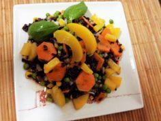 Minha receita veigetariana Fruit Salad, Sushi, Ethnic Recipes, Food, Carrot, Mop Sauce, Salads, Tailgate Desserts, Vegetarian Salad