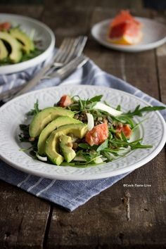 Συνταγή για εύκολη και νηστίσιμη σαλάτα με φακές, αβοκάντο και φινόκιο