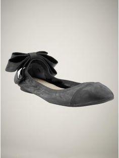 gray ballet flats w/ bow