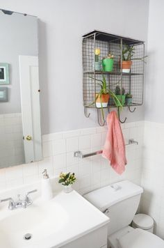 Stephanie's Marina District Apartment of Inspiration — House Tour Sweet Home, Walk In Shower Designs, Old Apartments, Bohemian House, Modern Bathroom, Bathroom Ideas, Restroom Ideas, Bathroom Inspo, Budget Bathroom