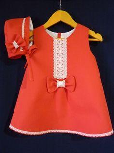 Vestido Rojo de Pique con Puntillas