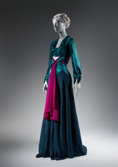 Charles James (American, born Great Britain, 1906–1978). Dinner dress, 1941. The Metropolitan Museum of Art, New York. Brooklyn Museum Costume Collection at The Metropolitan Museum of Art, Gift of the Brooklyn Museum, 2009; Gift of Mrs. George P. Raymond, 1981 (2009.300.1359) #CharlesJames