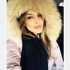 Una scelta e' come un salto: ti spaventa lo rimandi,ma se ti butti e'… Fur Coat, Hoodies, Lady, Instagram Posts, Collection, Fashion, Moda, Sweatshirts, Fashion Styles