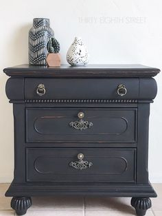 Carrie From Thirty Eighth Street Transformed This Beautiful Nightstand With  Just A Bit Of Liquorice!