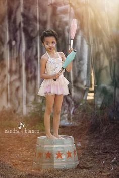 #TrishaVarneyPhotographyDesigner #StyledSessions #SandraBiancoPhotography…