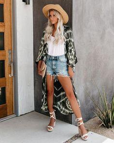 Wow picks! Indian Tie Dye Resort Kimono Robe kaftan for beachwear kimono Cover Up Light Weight Caftan Cardigan Beach Addiction dress Plus Size Kimono at $45.99 Choose your wows. 🐕 #TieDye #robe #MothersDayGift #handmade #kimono #dress #GirlsHandmadeDress #KimonoRobe #HandmadeTieDye #KaftanDress Fashion Fabric, Kimono Fashion, Boho Fashion, Girl Fashion, Night Wear Dress, Plus Size Kimono, Kimono Cardigan, Kimono Dress, Elegant Dresses For Women