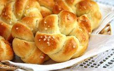 Unavená vařečka: Máslové houstičky - My site Czech Recipes, Jewish Recipes, Russian Recipes, How To Make Bread, Food To Make, Bread Recipes, Baking Recipes, Good Food, Yummy Food