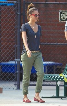 Jessica alba at the park-- red, green, grey, flats, simple necklace, glasses, animal print belt.   Casual cute outfit