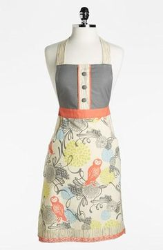 Great wedding shower gift: Owl apron with a favorite recipe card