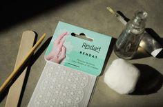Nail Art: película de unha Rendas da Revitart. O charme da nail art com a praticidade das películas.