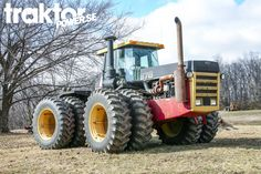 Versatile 876 in Indiana, USA.