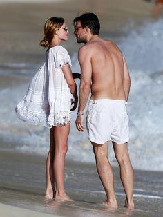 昨年同様、セレブ御用達のバカンス地であるフランスのセント・バーツ島で年末年始を過ごした、オリヴィア・パレルモ&ヨハネス・ヒューブルのおしどり夫婦。白をキーカラーにしたペアコーデで、2016年もラブラブ...