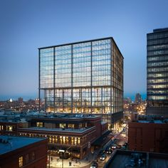 SOM unveils office tower with luxury amenities for Chicago