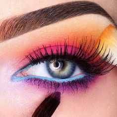 Spectacular look by ChaosMakeupArtist using all #Sugarpill eyeshadows! Everything about this is pure perfection.
