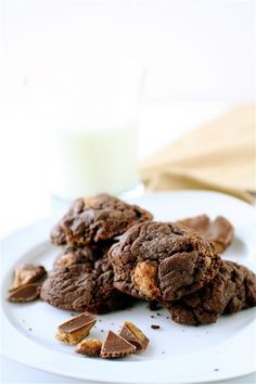 Chocolate Peanut Butter Cup Cookies - The Curvy Carrot