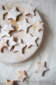 Winter-Star-Biscuits-02