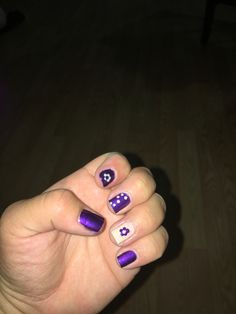 Purple and beige flower dots nails