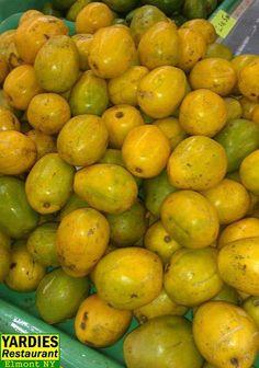 ☀Puerto Rico☀Jobos - sweet & tart, but delicious. Some of our fruits Fruit And Veg, Fruits And Vegetables, Plum Fruit, Bon Appetit Bien Sur, Comida Boricua, Trini Food, Puerto Rico Food, Golden Apple, Golden Plum