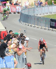 After a solo attack on the final climb, Tony Gallopin (Lotto - Belisol) successfully attacked the resulting break 2.5 km from the finish in ...