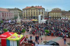 Vezi cum a fost concertul lui Julio Iglasias din Piața Libertății din Timișoara. Street View, Concert, Julio Iglesias, Concerts