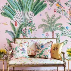 De Gournay has a wonderful collection of stunning papers to adorn your walls. #interiors #interiordesign #interior123 #interiorsinspo #style #luxurydesign