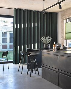 Black Curtains, Velvet Curtains, Curtains With Blinds, Interior Styling, Interior Design, Curtain Designs, Window Coverings, Living Room Decor, New Homes
