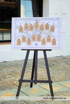 Boda viajes Mapa de mesas Polaroid Wedding, Prom Decor, Wedding Inspiration, Wedding Ideas, Wedding Stuff, 15th Birthday, Tripod Lamp, Ideas Para, Wedding Styles