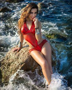 Fresca y sensual sonrisa de verano #fresh #summer #beachgirl #bcn #barcelona #barceloneta #girl #model #hot #sensual #smile #ocean #sea #picsart #picoftheday