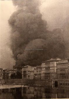 Scoppio delle mine tedesche nell'agosto del 1944.#Firenze.