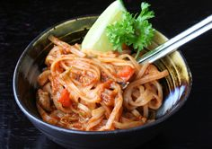 The Healthy Happy Wife: Pad Thai (Dairy, Gluten and Refined Sugar Free)