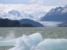 Año 2070. Es verano en el Ártico y en su superficie ya no queda hielo. Esta es la previsión de los científicos. El deshielo del Polo Norte se ha acelerado en las últimas décadas de manera vertiginosa. Desde finales de los 70 ha perdido un 20% de superficie helada. En el último año, una extensión equivalente a la de un país como España.