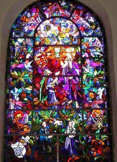 vitrail de la chapelle du Graal Tréhorenteuc, Morbihan                                                                                                                                                                                 Plus