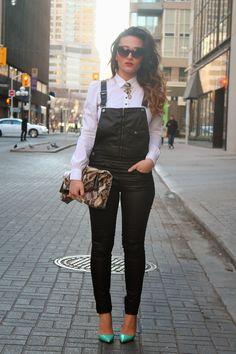 Overalls/dungarees Zara, shirt H&M, sunglasses ZeroUV, heels Christian Louboutin,